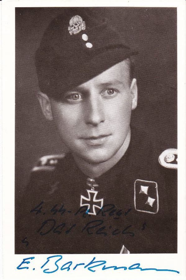 Deze afbeelding heeft een leeg alt-attribuut; de bestandsnaam is Signed-Photo-of-Waffen-SS-Panzer-Ace-SS-Oberscharf_hrer-Ernst-Barkmann1919-2009-Holder-of-the-Knights-Cross.jpg